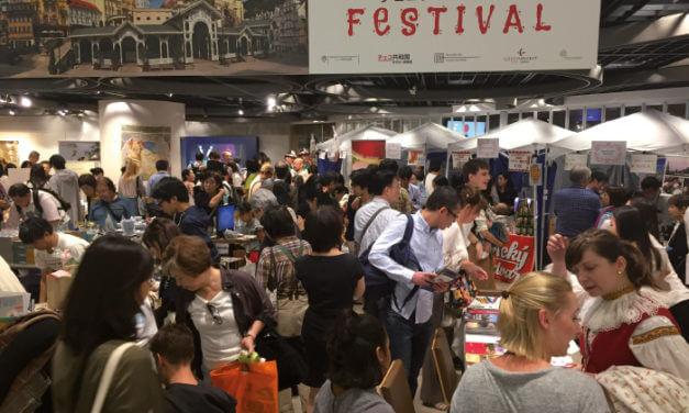 JAPONSKO: ZEMĚ ROBOTŮ A ŠINKANZENU JE OTEVŘENÁ VNĚJŠÍM PODNĚTŮM