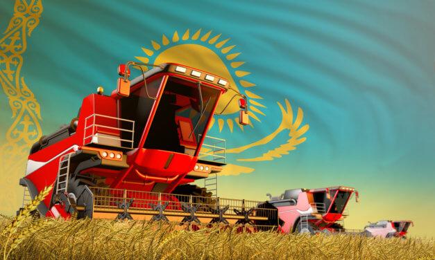 KAZACHSTÁN ZAVÁDÍ ŠROTOVNÉ NA TRAKTORY A KOMBAJNY