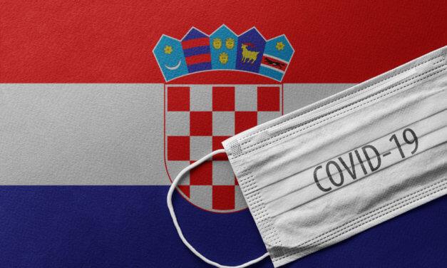 ČESKO-SLOVENSKÁ SKUPINA DAROVALA MASKY CHORVATSKU