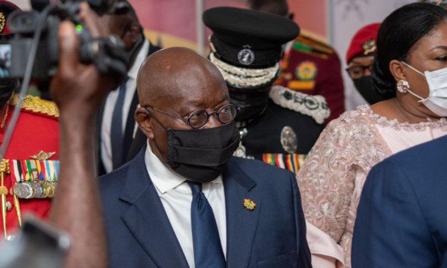 GHANA UPEVŇUJE POVĚST LÁKAVÉ ZEMĚ PRO INVESTORY