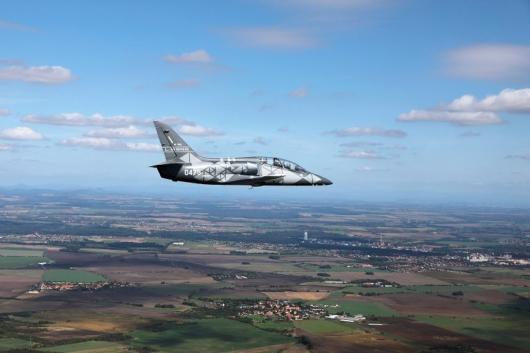 VIETNAM NAKOUPÍ ČESKÁ LETADLA L-39NG