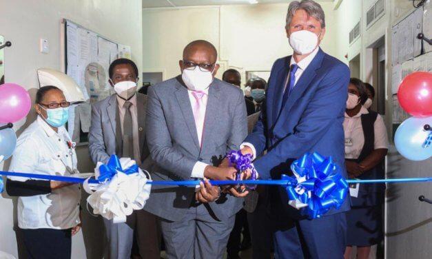 ČEŠI VYBAVILI JEDNOTKU INTENZIVNÍ PÉČE V ZAMBII